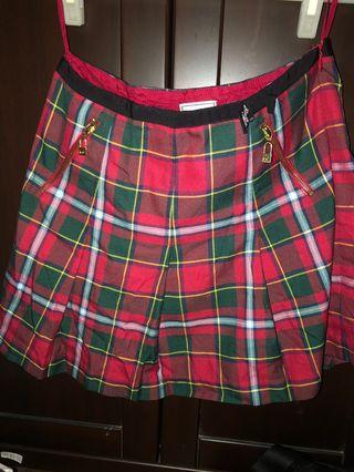 🚚 Scottish House 紅綠格膝上裙
