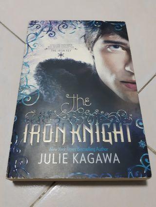 🚚 Iron Fey: The Iron Knight - Julie Kagawa