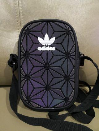 🚚 Adidas Pouch Bag (Brand new in stock $18)