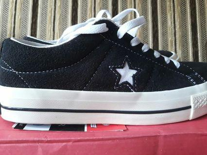 - Convers - One Star Black