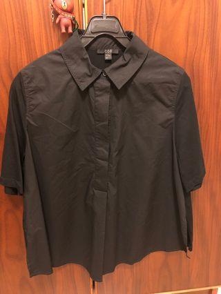 COS black short sleeve shirt