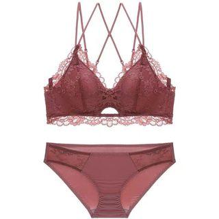 🚚 Lace Strappy Bra Set in Terracotta Rose