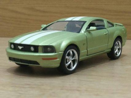 2007 Ford Mustang 1/43 (4 inches)