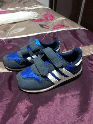 🚚 Adidas Shoes