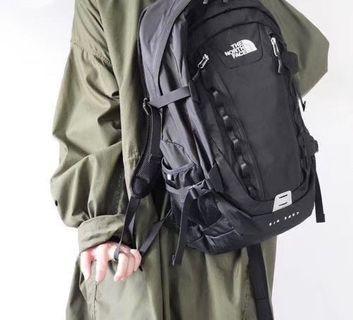 在途 THE NORTH FACE 日本北臉 Hot/Big Shot CL 旅行 雙肩背包 休閒多功能背包 筆電背包 機能性
