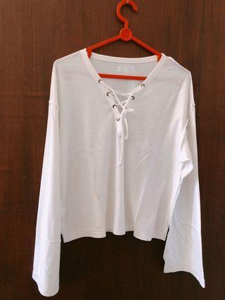 Baju putih tali