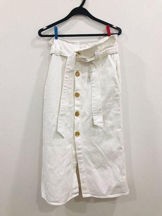 🚚 *NEW* Editors Market Denim Skirt