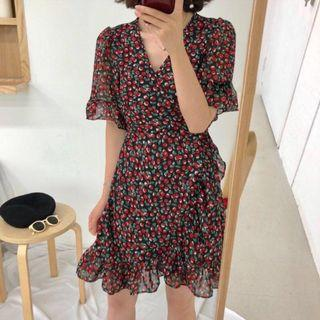 Preorder V Cut Leaf Printed Wrap Dress (Free Mailing)