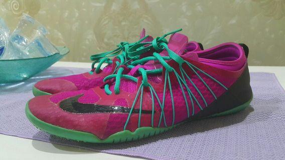 Sepatu Nike Free Bionic