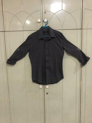 Kemeja executive size M muscle fit