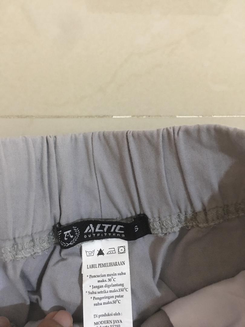 Altic Jogger Pants Abu-abu