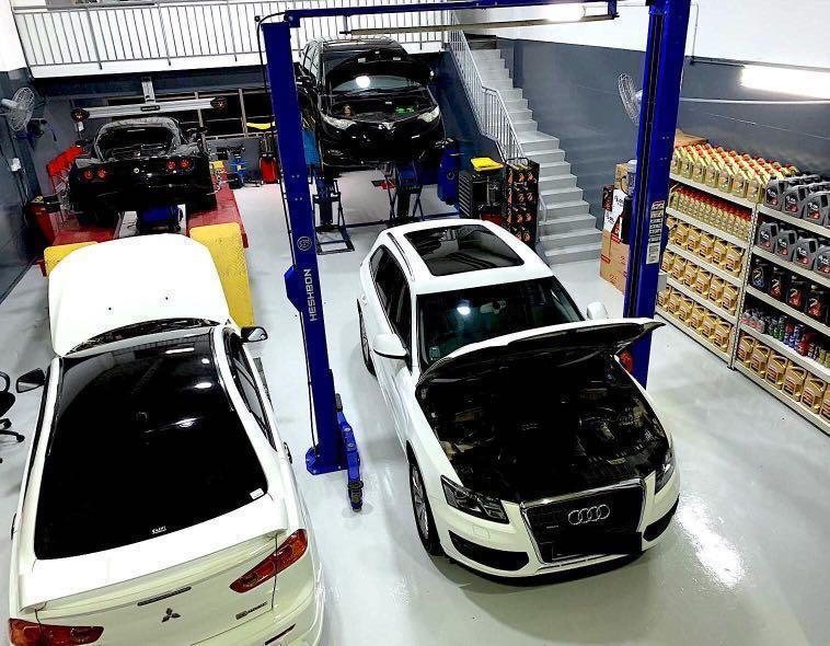 Car servicing / engine oil