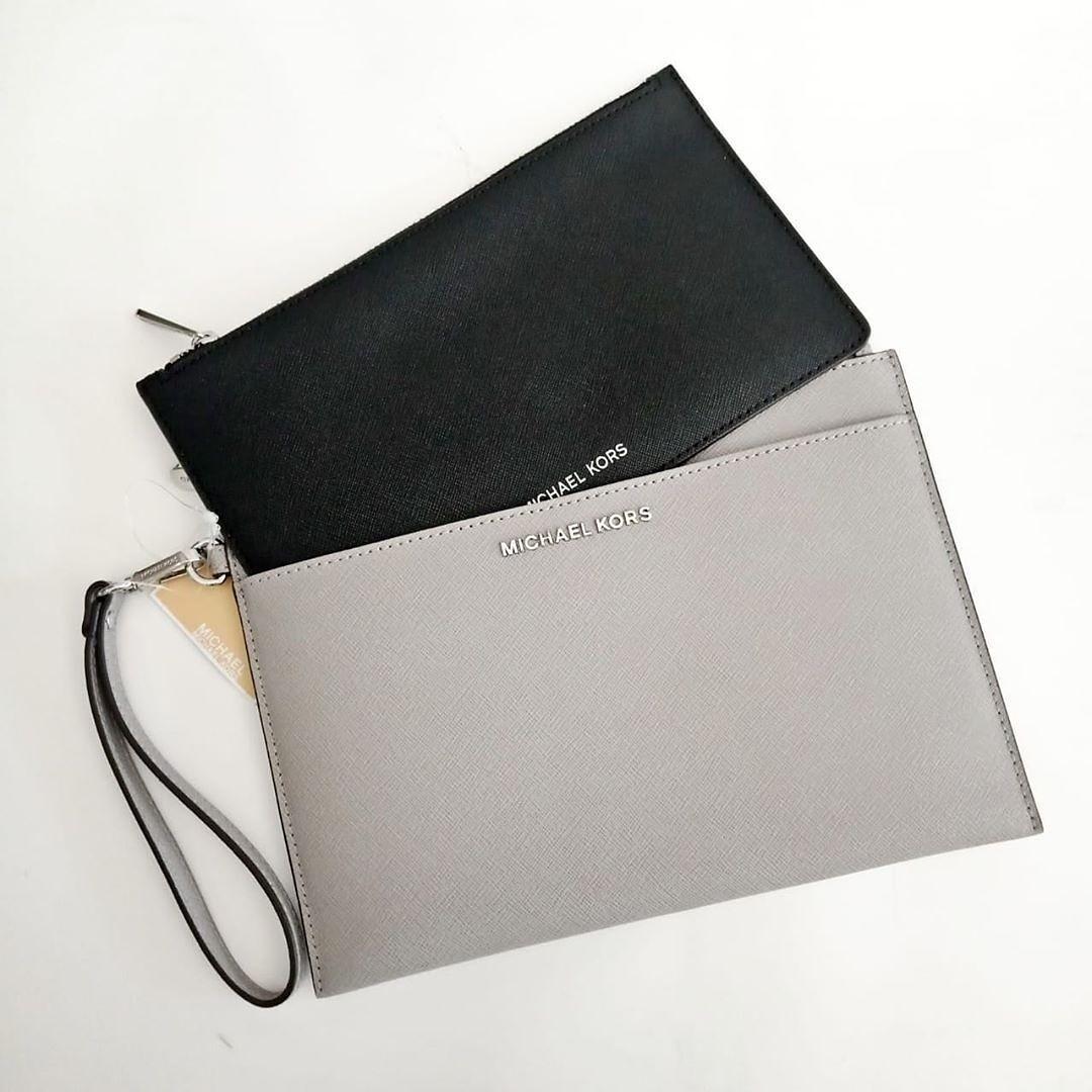 MK Jetset Travel Pop Clutch Set Grey/Black Grey 23x16 - Black 22x12