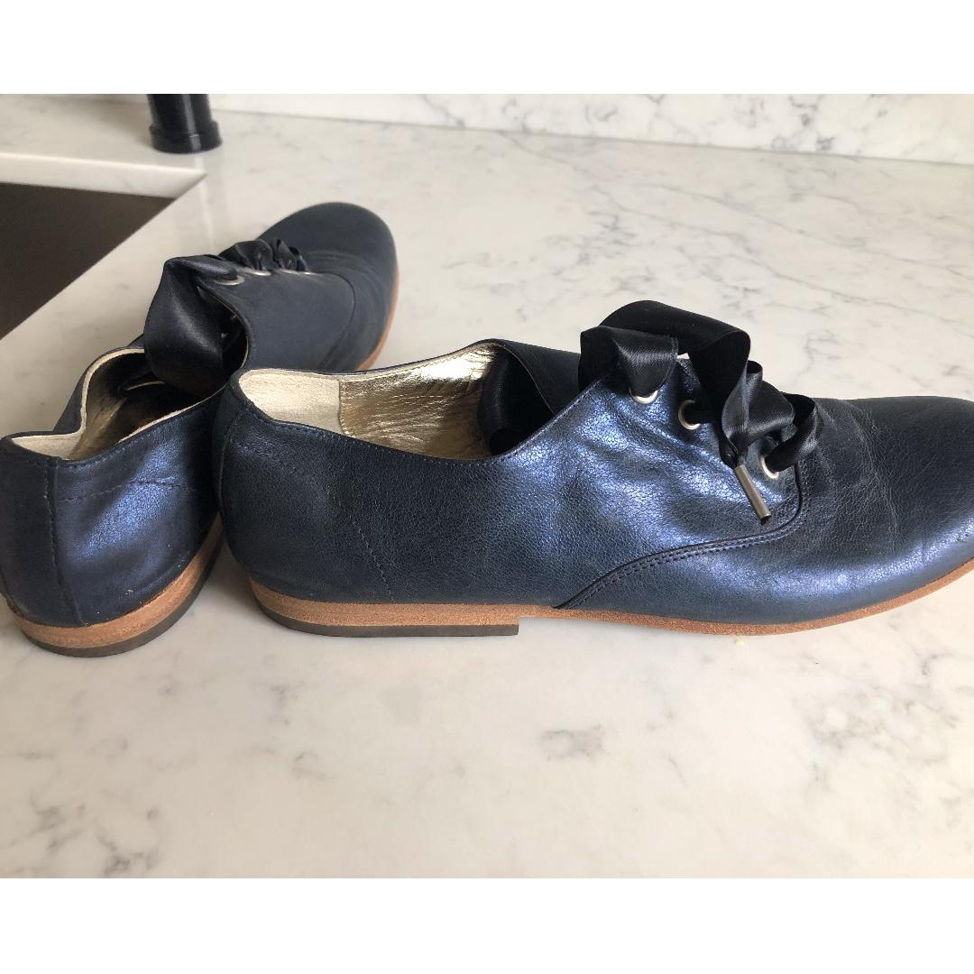 TO & CO. Metallic Leather Oxford - Women's Size 36