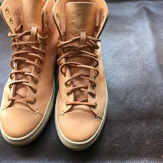 Leather Sneaker - US9 Buttero Common Project 1970 Vans novesta Converse Red wing Danner