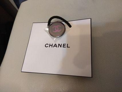 Chanel 細紙袋連限定版徽章