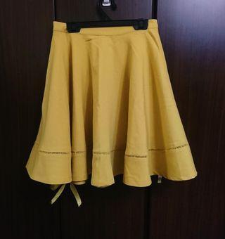 淺芥黃 斜紋布 大襬 鏤空裙邊 太陽圓裙