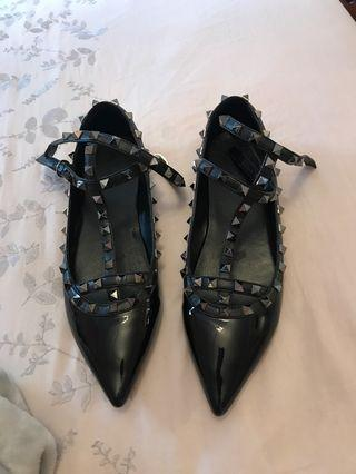 Caged studded flats size 8.5