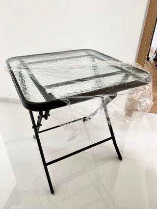 🚚 Outdoor/Indoor Table
