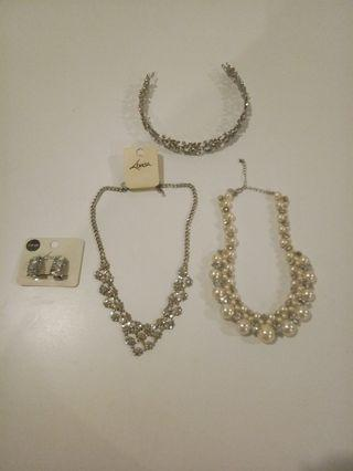 Earing, necklace & hairband