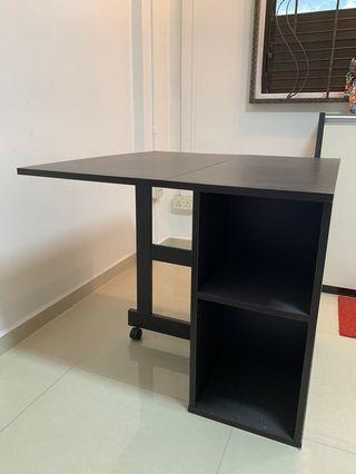 Foldable study table - Good condition