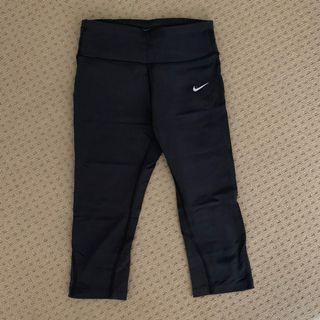 Nike Capri 3/4 Tights with Mesh Panel