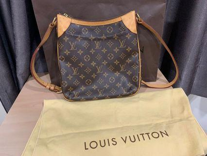 🚚 Lv 側背包