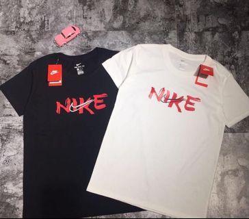 🚚 Nike海外版書法上衣