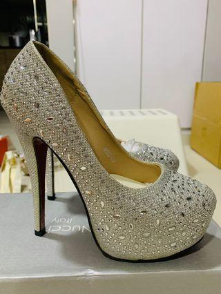 """Silver Glitter Heels 5.5"""""""
