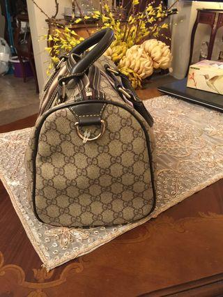 Authentic  Gucci,very clean