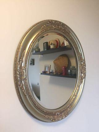 🚚 Light gold decorative wall mirror (w26/h30 inches)