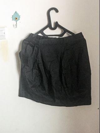 Black Skirt / Rok Hitam