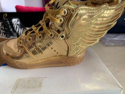 🚚 Jeremy Scott Adidas Wing limited edition 2.0 - Gold