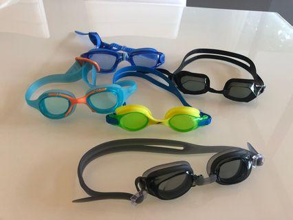 🚚 Swimming Goggles