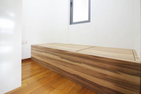 (s19) Platform bed with storage