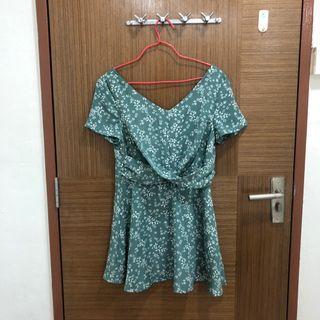 🚚 Green Floral Mini Dress