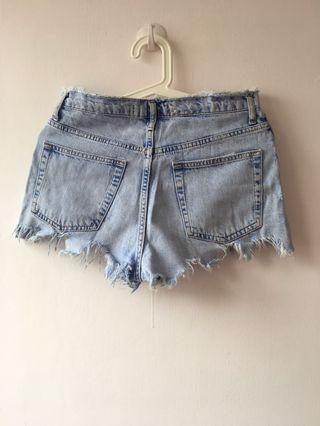 淺藍極短牛仔短褲