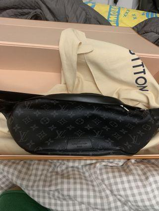 Louis Vuitton discovery bum bag