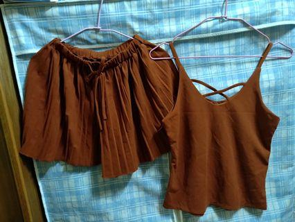 胸前交叉背心+百折褲裙套裝