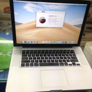 WTS MacBook Pro 15 inch 2012 mint condition new battery $900