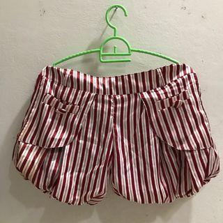 Celana pendek balon