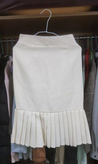 🚚 韓版白色魚尾裙