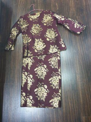 🚚 Brocade kurung in Maroon , Gold