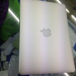WTS MacBook Pro 13 inch 2015 128gb ssd retina $1000