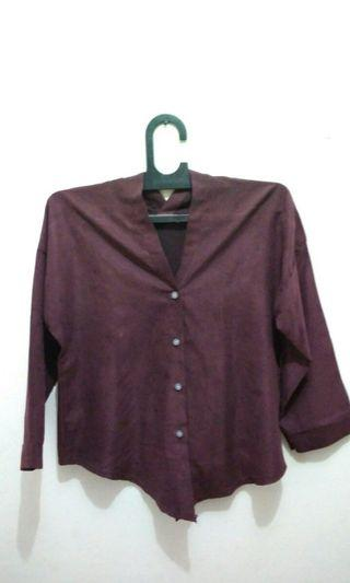 Kemeja korea crop long shirt maroon
