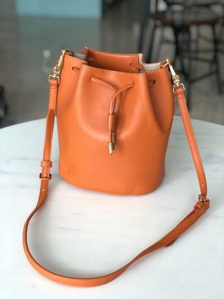 🚚 Orange Bucket Bag