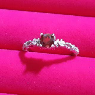🚚 RED GARNET Sliver Ring