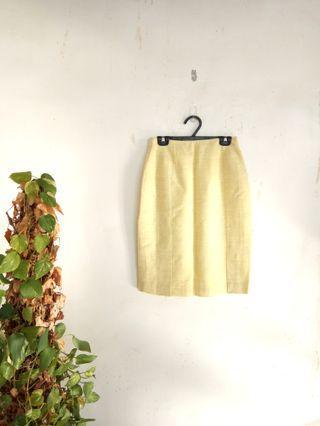 🚚 專櫃品牌優佳莉 質感窄裙