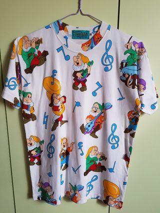 🚚 Rare Walt Disney T shirt