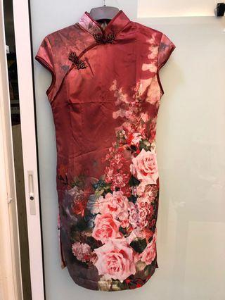 Very good quality cheongsam dress. Thin, soft and smooth material. I have 2 pieces. Size m and l